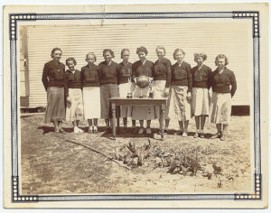 1935 Girls Basketball Champs